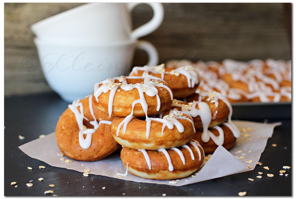 Banana Oat Donuts