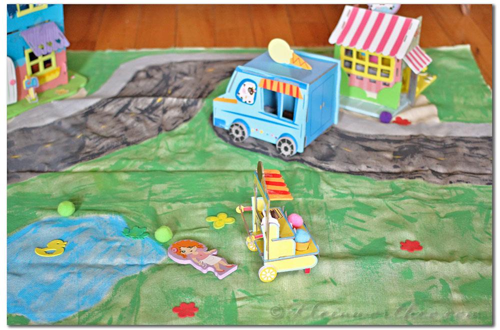 Painted Play Mat & Pom Tree Kids