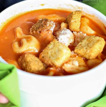 how to make Creamy Tomato Tortellini Soup