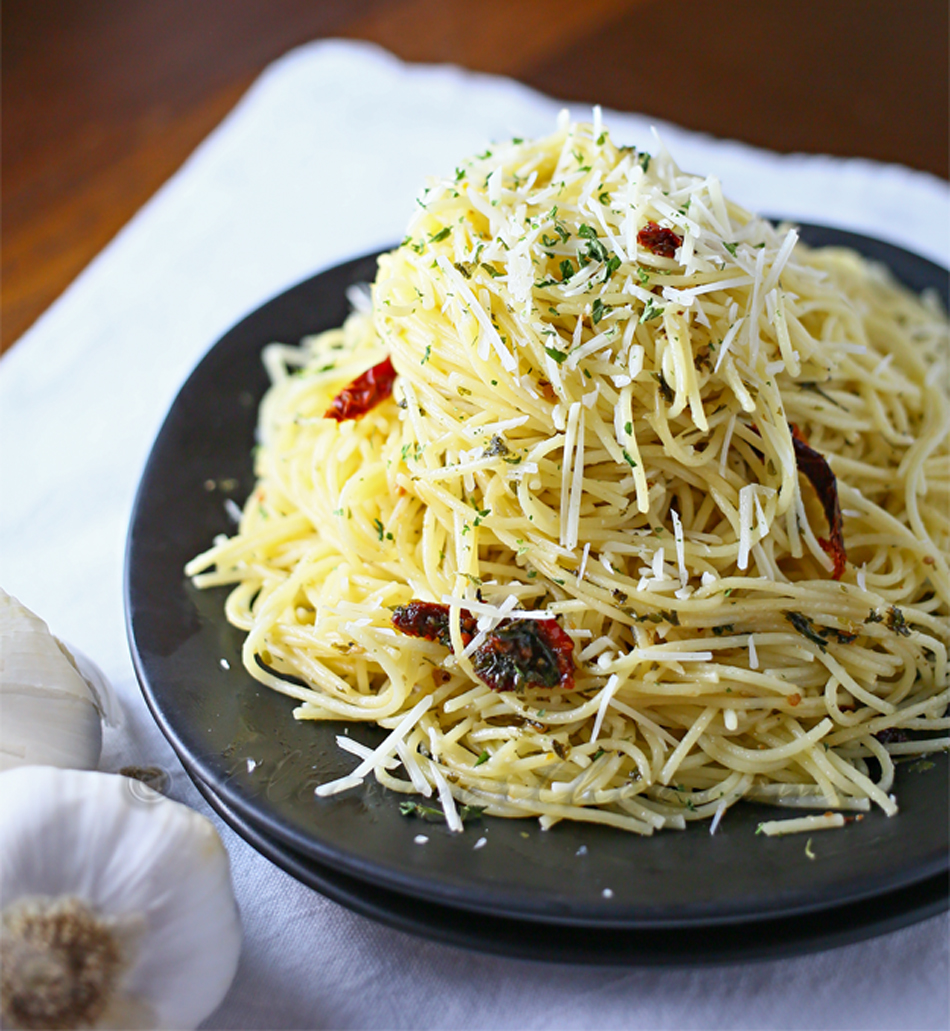 Angel Hair Pasta in Burgundy Garlic Sauce - Kleinworth & Co