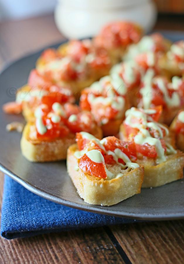 Easy Garlic Bruschetta www.kleinworthco.com