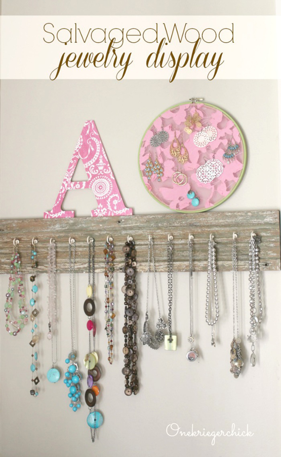 Salvaged-Wood-Jewelry-Display...so-easy