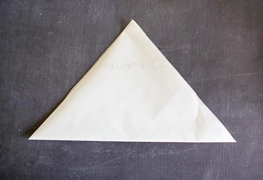 Parchment Decorating Bag {Tutorial}