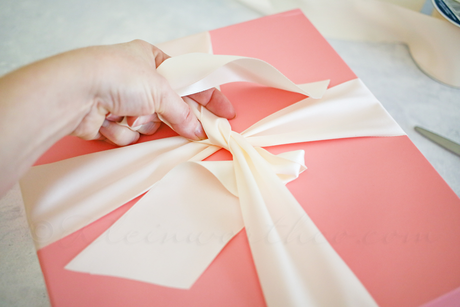 How to Gift Wrap like a PRO
