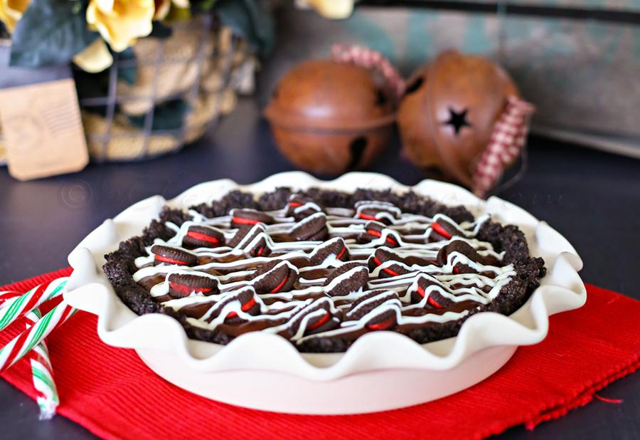Candy Cane Oreo Pie