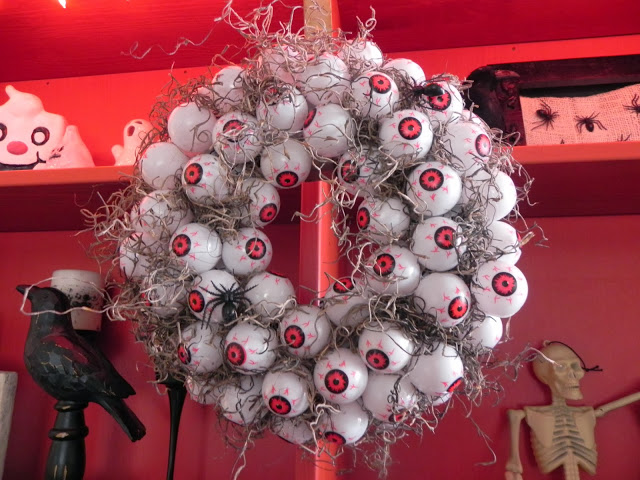 eyes wreath