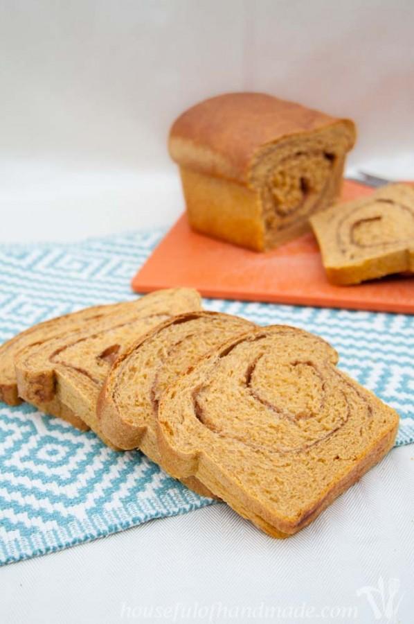 Yeasted-Pumpkin-Bread-5