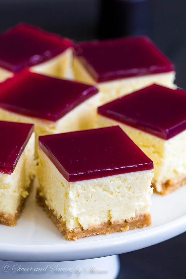 Cheesecake-Bars-with-Wine-Gelée