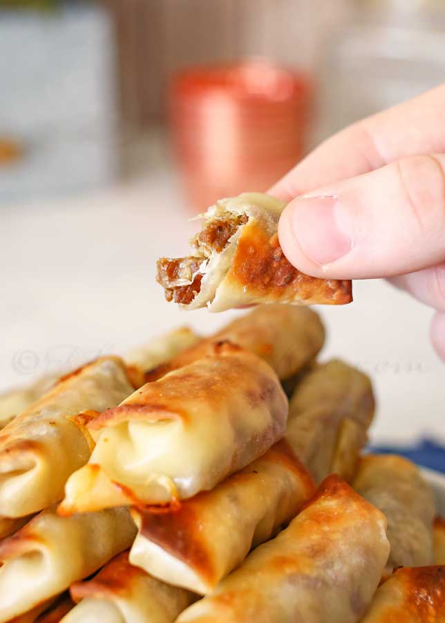Cheesy Roast Beef Egg Roll Bites