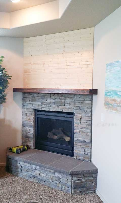 Fabulous DIY Shiplap Fireplace - Kleinworth & Co LU48