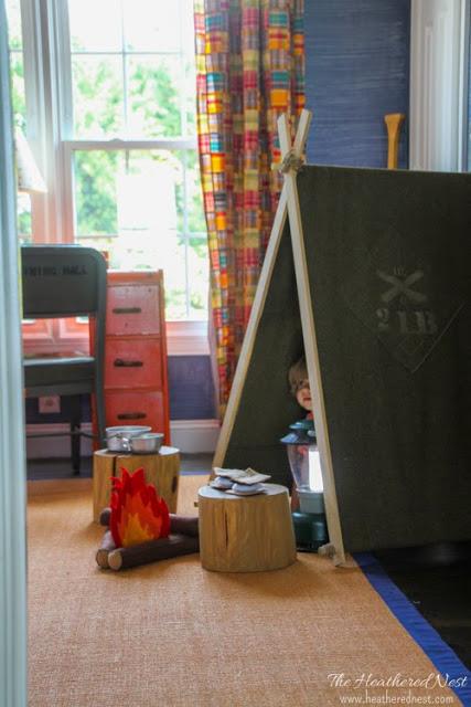 DIY-Army-Blanket-Tent-Tutorial-Heathered-Nest-1