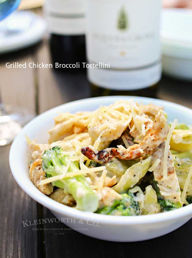 Grilled chicken, broccoli & tortellini in a creamy garlic cheese sauce makes this Grilled Chicken Broccoli Tortellini a delicious easy family dinner idea.