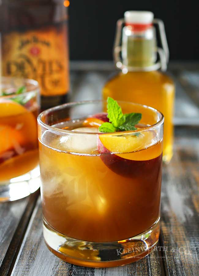 Peach Bourbon Arnold Palmer, a delightful twist on a classic refreshment