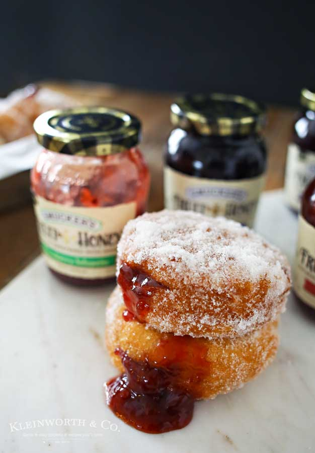 Easy Strawberry Jalapeño Donuts are simple & easy to make with just a few ingredients. These homemade jelly donuts are the perfect way to kick up your breakfast.