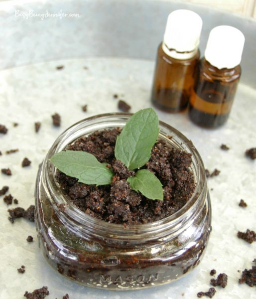 Vanilla-Peppermint-Coffee-Sugar-Scrub-3