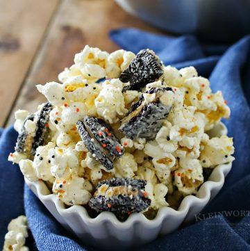 Peanut Butter Oreo Popcorn