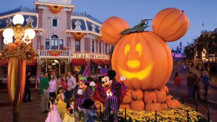 dlr-halloween-time-main-street-pumpkin-festival-16x9