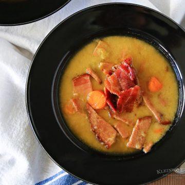 Slow Cooker Bacon Split Pea Soup