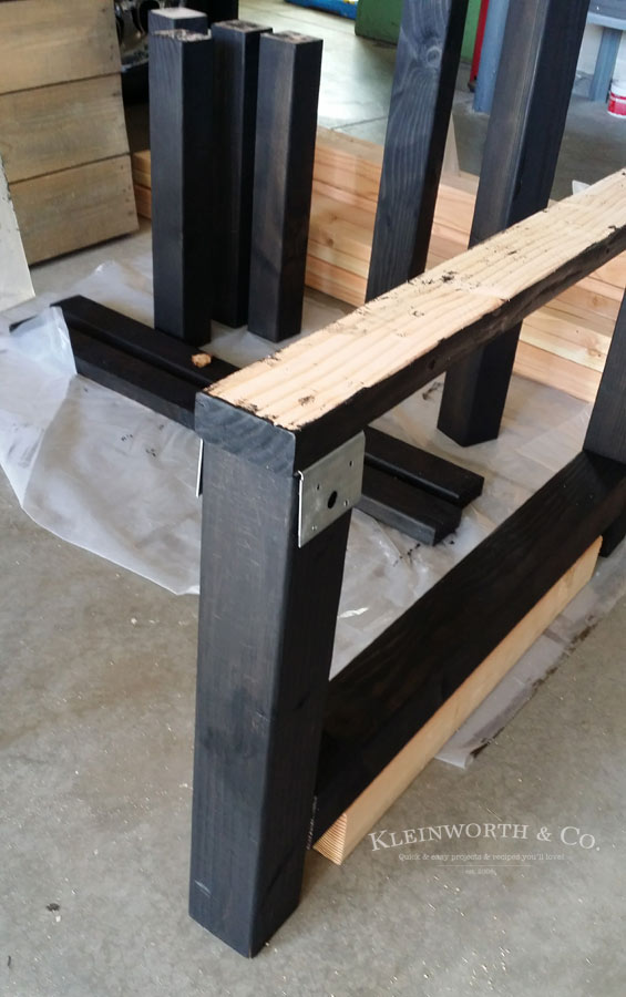 Legs for DIY Pallet Outdoor Dining Table
