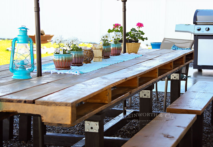 How to make DIY Pallet Outdoor Dining Table