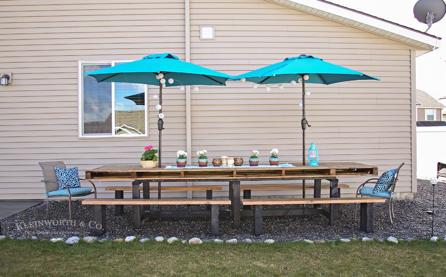 Spring Outdoor Pallet Table Decor
