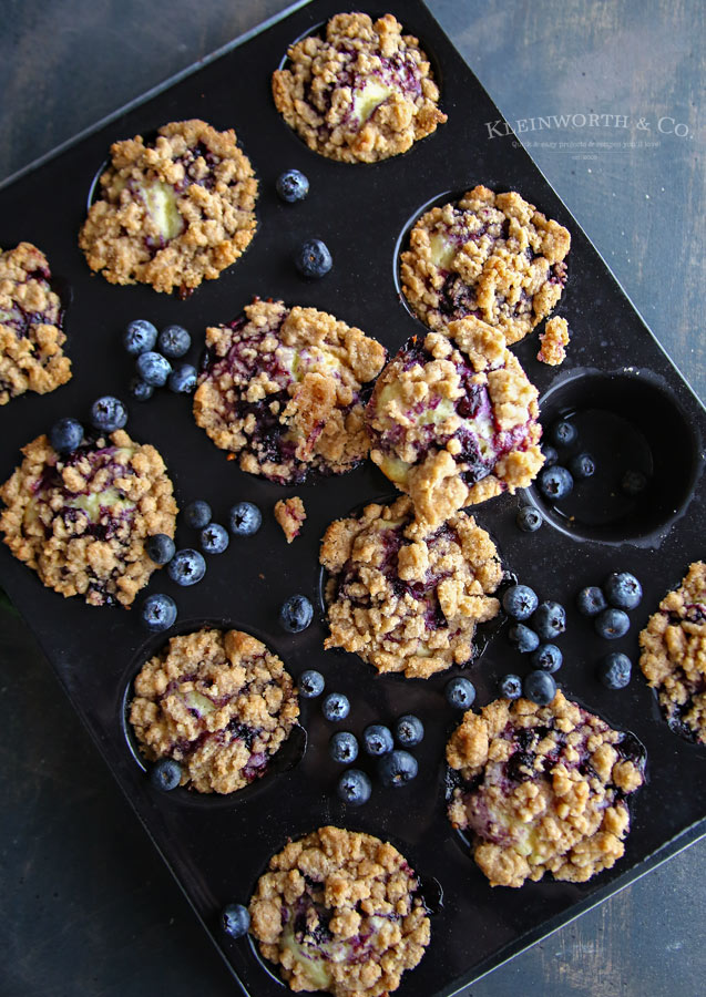 The very Best Blueberry Streusel Muffins