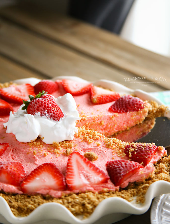 Recipe for No Bake Strawberry Banana Cheesecake