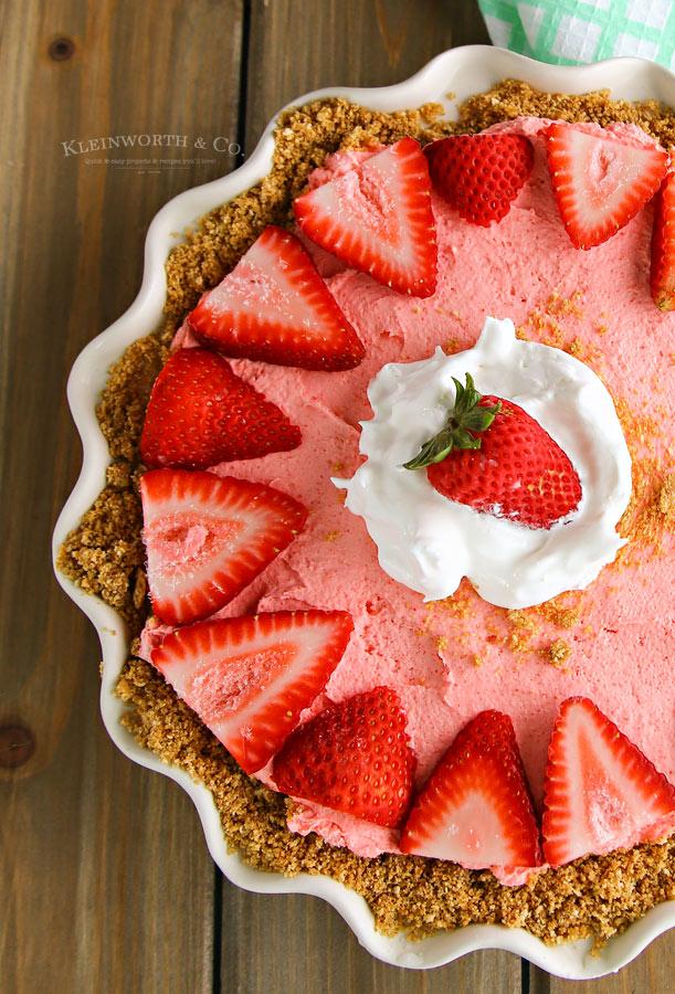 Recipe for No-Bake Strawberry Banana Cheesecake
