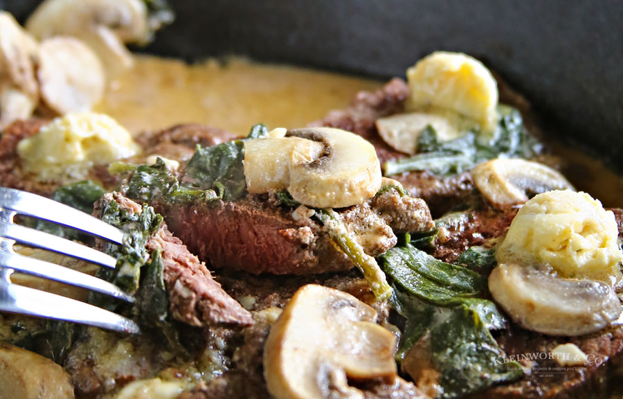 The best Spinach Mushroom Filet Mignon in Creamy White Wine Sauce