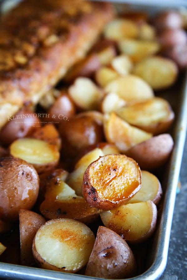 Roasted Balsamic Potatoes - Easy side dish recipe