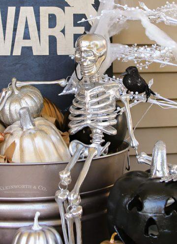 How to Metallic Glam Halloween Porch Decor