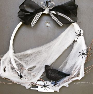 How to make Spooky Raven Halloween Wreath