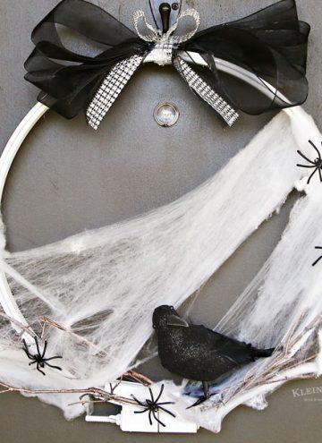 How to make Spooky Raven Halloween Wreath