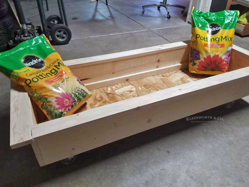DIY Rolling Planter Box on wheels