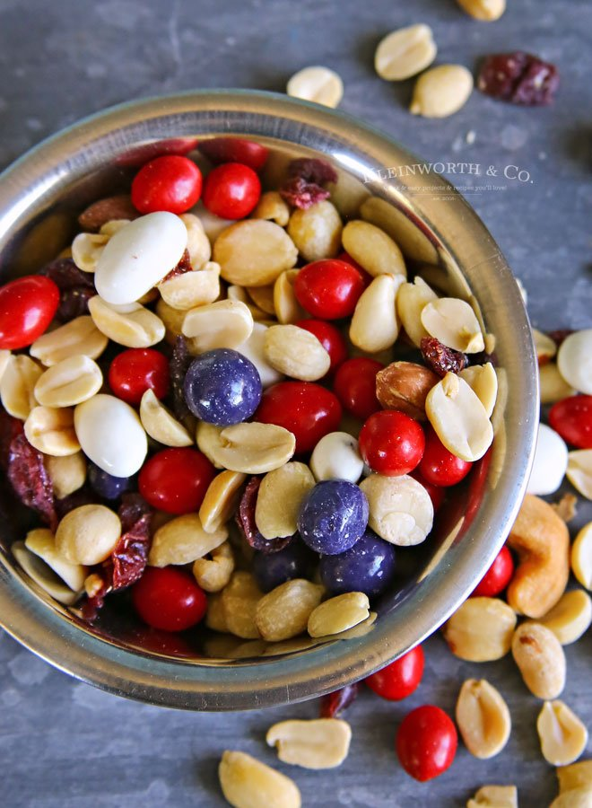 how to make trail mix