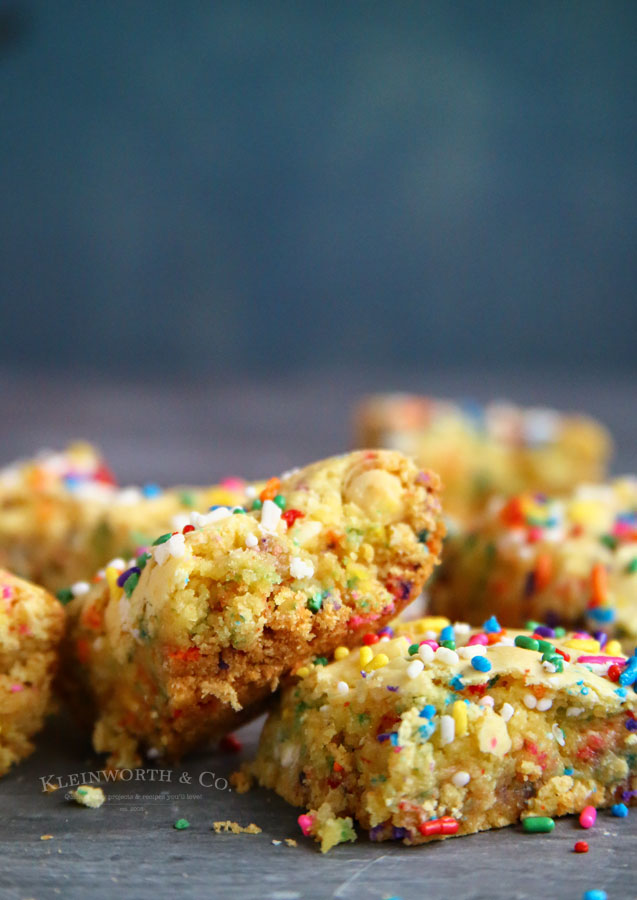 Funfetti Cake Mix Bars Dessert