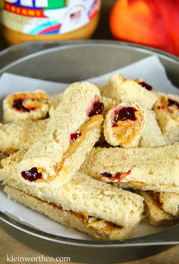 Peanut Butter & Jelly Roll-Up Sandwiches
