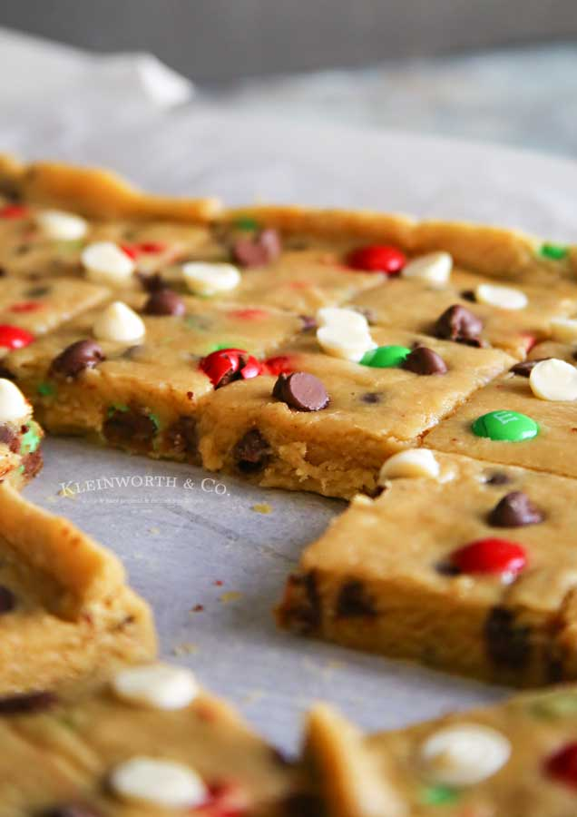 How to make Holly Jolly Cookie Bars