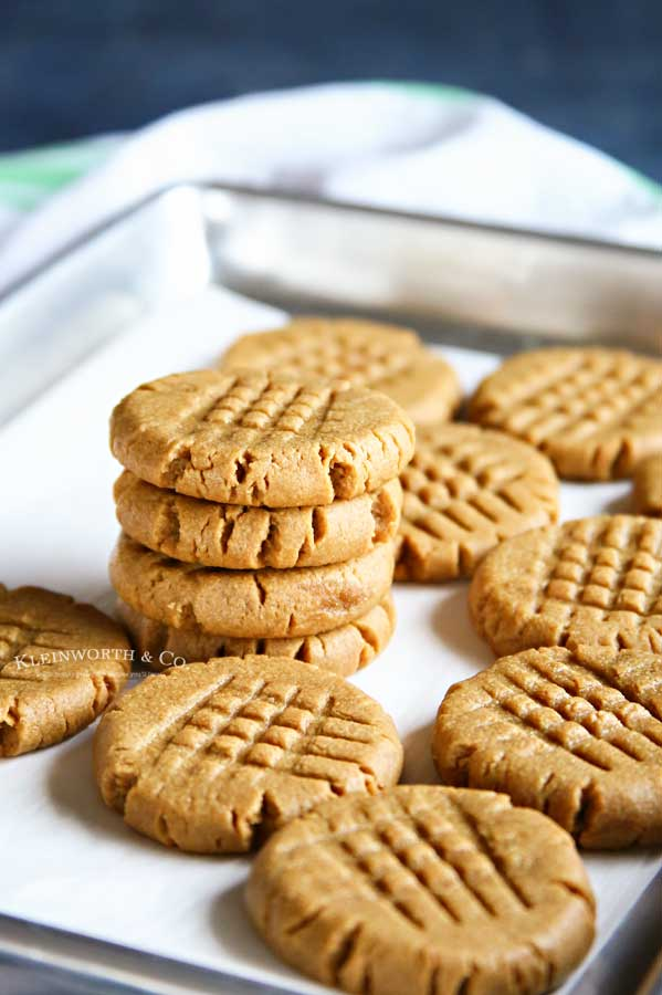 Soft and chewy 3-Ingredient Peanut Butter Cookies