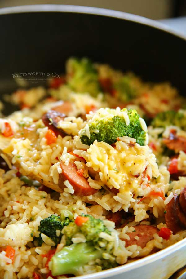 20 minute dinner - Cheesy Broccoli Sausage Skillet Dinner