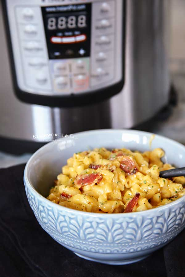 easy dinner recipe - Instant Pot Bacon Mac and Cheese