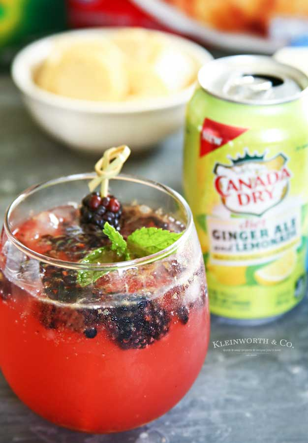 how to make Sparkling Blackberry Lemonade