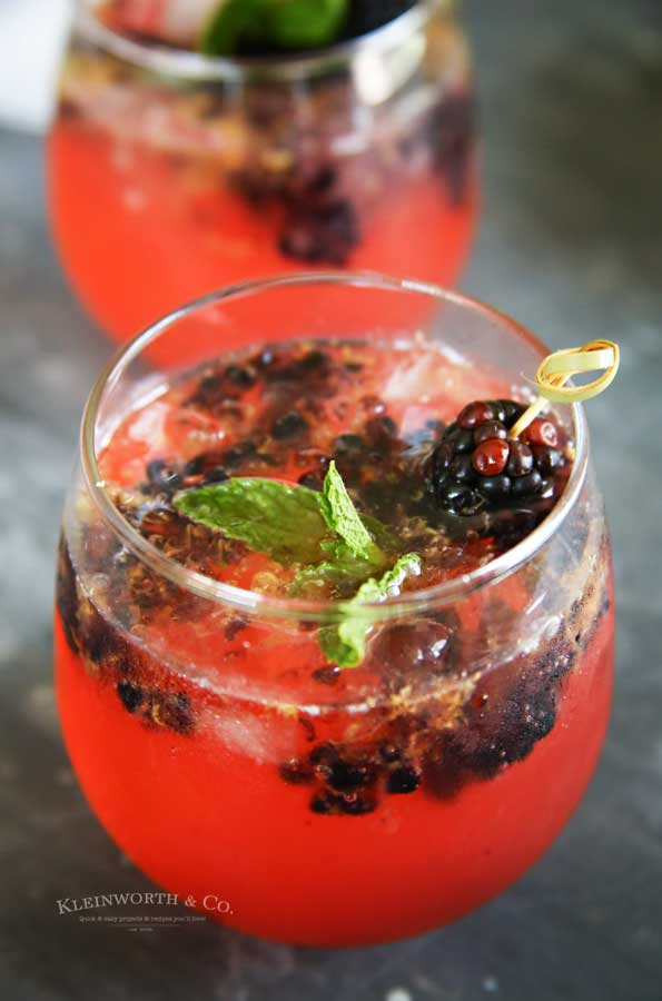 summer drink recipe - Sparkling Blackberry Lemonade