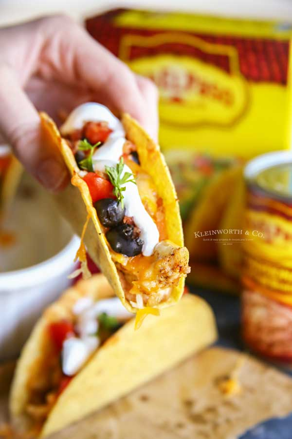 how to make Rotisserie Chicken Bacon Ranch Tacos