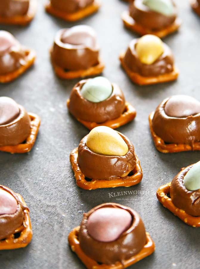 3 Ingredient Cadbury Rolo Pretzel Bites