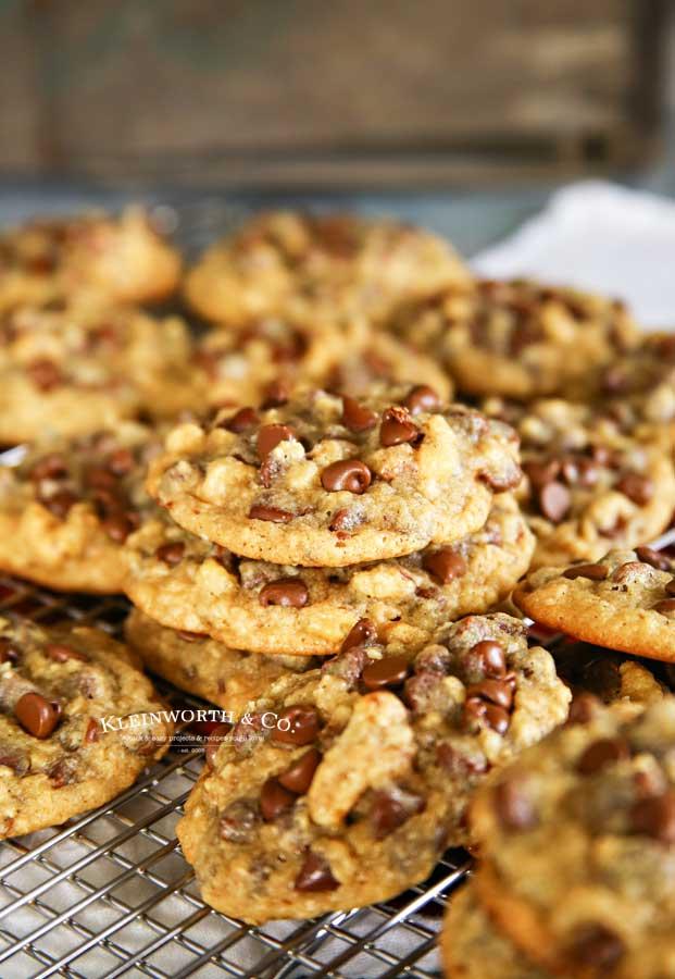 Copycat DoubleTree Hotel Cookies recipe