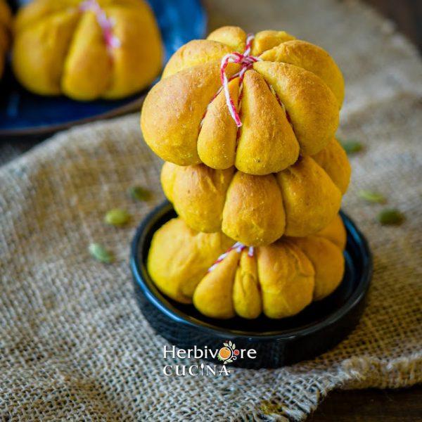 Instant Pot Pumpkin Rolls