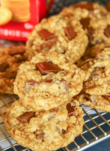 recipe for Chewy RITZ Cracker Oatmeal Cookies