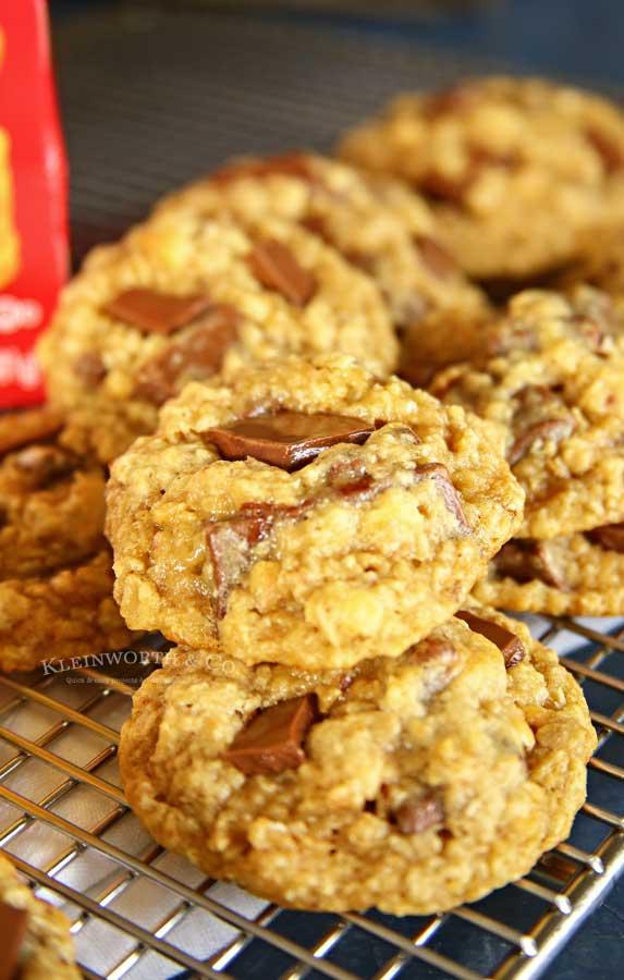 Chocolate Chunk Oatmeal Cookies