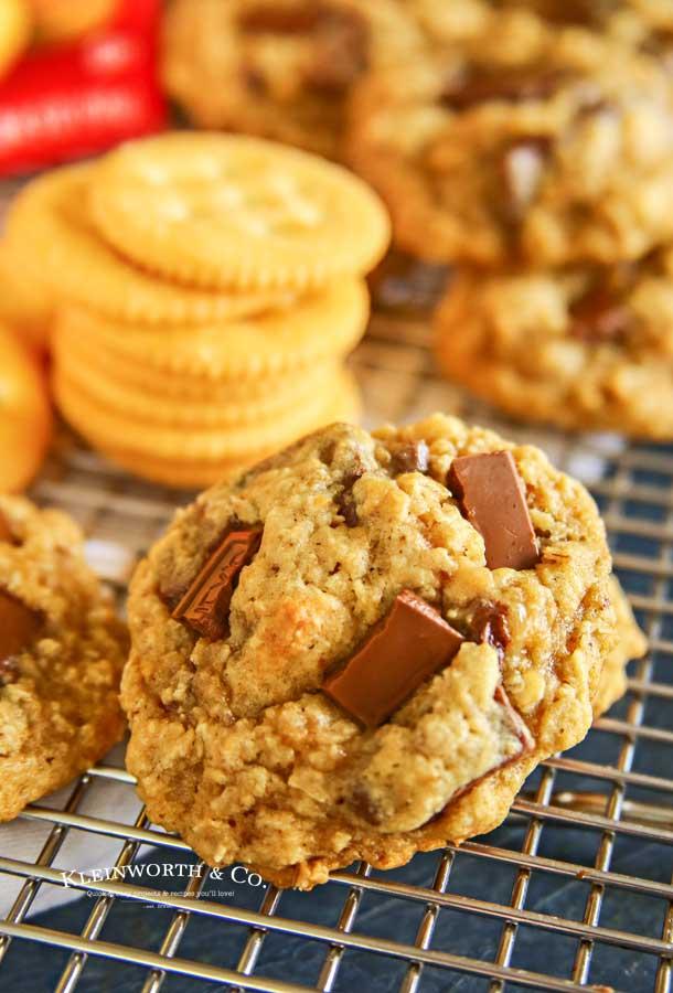 Chewy RITZ Cracker Oatmeal Cookies recipe